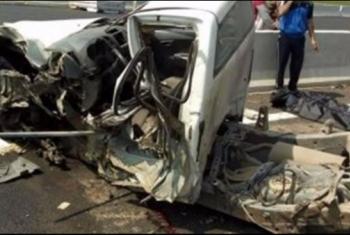 مصرع طفلة وإصابة 18 آخرين في انقلاب سيارة بفاقوس