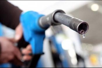 حكومة الانقلاب ترفع أسعار البنزين