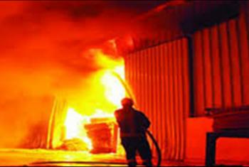 حريق مخزن للكرتون بمنطقة بلبيس الصناعية