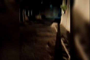الظلام يخيم على شارع البازات بالقرين