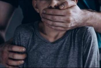 إنقاذ طفل قبل التعدي عليه جنسيا بالعاشر