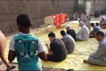 أهالي الغنيمية بأبوكبير يطالبون بفتح مسجد القرية لصلاة الجنائز