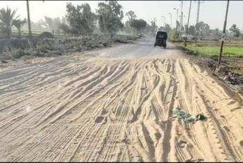 طريق قرية طحا المرج بديرب نجم غير ممهد للسير