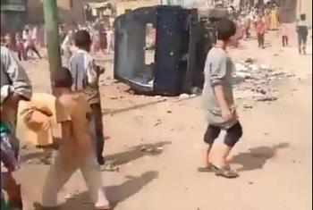 اشتباكات وتحطيم سيارة شرطة.. اشتعال أول تظاهرة بالجيزة