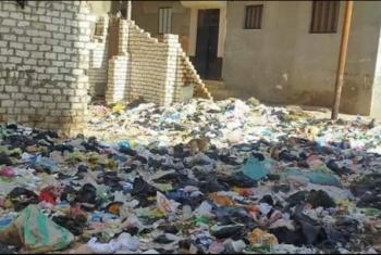 تلال القمامة أزمة تؤرق أهالي كفر الزقازيق البحري