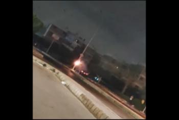 رعب بين أهالي العاشر من رمضان بسبب اشتعال عمود كهرباء